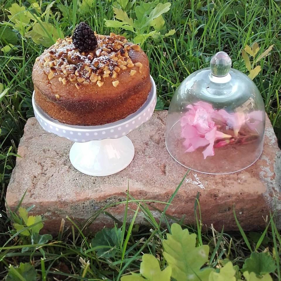 torta di farina d'orzo e nocciole